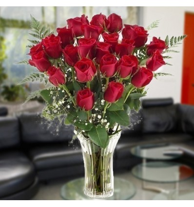 Jarron en rosas rojas