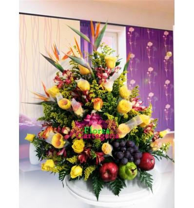 Rosas Amarillas y Frutas